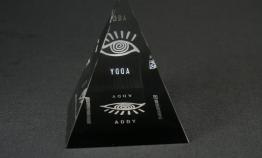 "Lucite Pyramid Embedment  5 "" x 5 "" x 5 """
